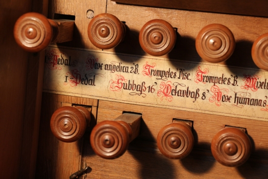 Bechtolsheim-Stummorgel-Register-IMG_6067